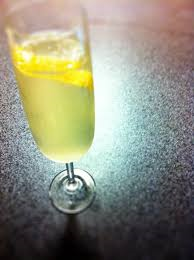 Den ultimative velkomstdrink: French 75, Juhl & Agger style